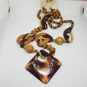 Wooden beads Long necklace